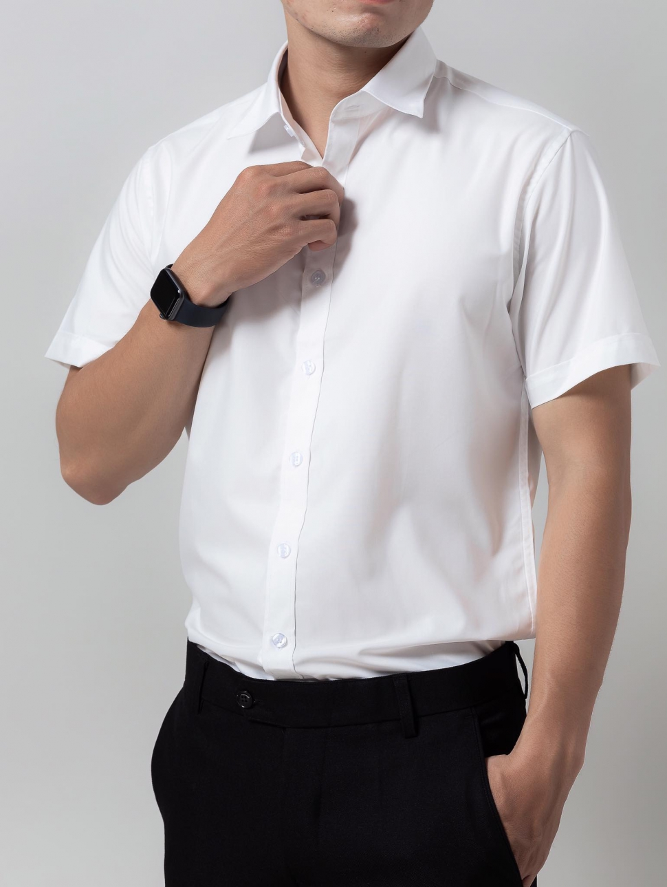 Đồng phục áo sơ mi tay ngắn màu trắng