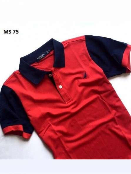 Đồng phục áo thun có cổ màu đen đỏ thanh lịch