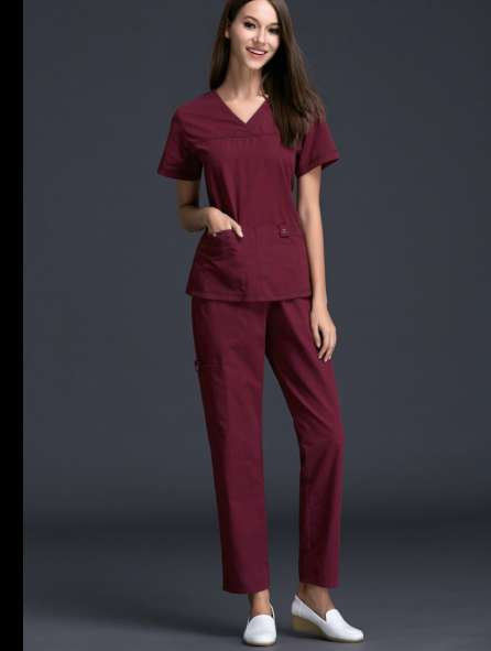 Đồng phục y tá màu đỏ
